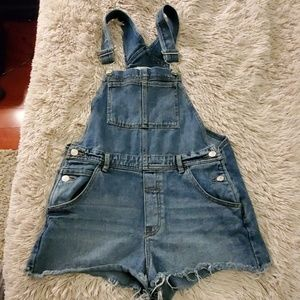 Super cute Brandy Melville overall shorts size M